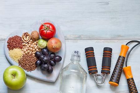 Eine gesunde Ernährung und Bewegung kann Frauen helfen, Insulinresistenz zu vermeiden